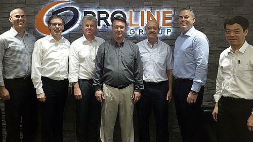 Zdjęcie grupowe po podpisaniu umowy